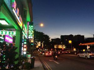 シンガポール ローカルの町 夜の雰囲気